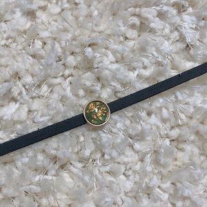 Jewelry - Urban Outfitters black choker with gem